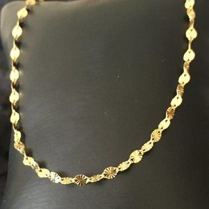 Jewelry - Delicate 18k gold plated necklace
